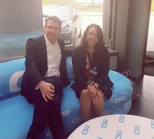 2018-05-18 Helga Huber CSU -in der Parteizentrale mit Generalsekretaer Markus Blume