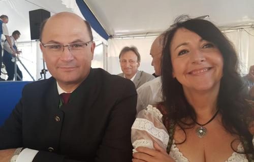 2018-07-08 Huber Helga CSU Kirwa Deining mit Albert Fueracker
